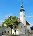 Moosbrunn Pfarrkirche hl Lorenz 2011.jpg