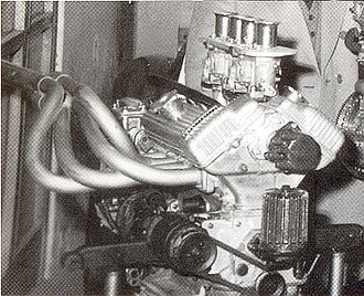 Bandini 1000 V - The engine carburettors vertical.