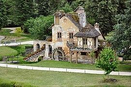 Moulin au Hameau de la Reine (1).jpg