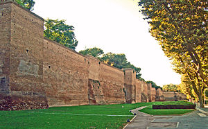 Caro diario - Image: Mur d'Aurélien à Porta Metronia