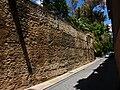 Muralla del s. XIV al costat de les Torres de Quart, València.JPG