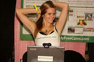MyFreeCams Expo Booth with Model 118.jpg