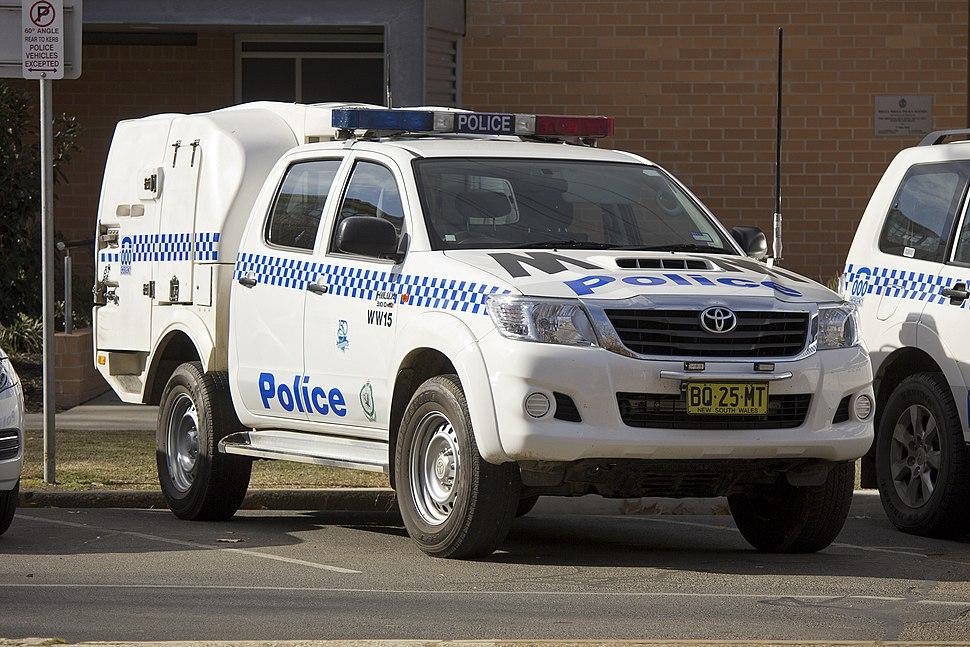 NSWPF Wagga Wagga (WW15) Toyota Hilux at the front of Wagga Wagga Police Station in Tarcutta Street