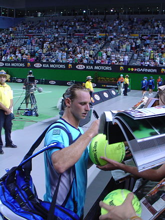 Sport in Argentina - David Nalbandian and fans at the 2006 Australian Open.