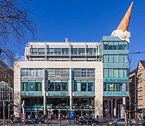 Neumarkt-Galerie, Köln mit Skulptur Dropped Cone - Claes Oldenburg und Coosje van Bruggen-8706.jpg