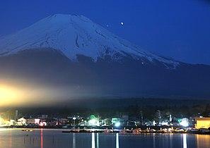 Night view of Mt. Fuji.jpg