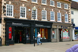 English: Waterstones and Fat Face, Northallerton