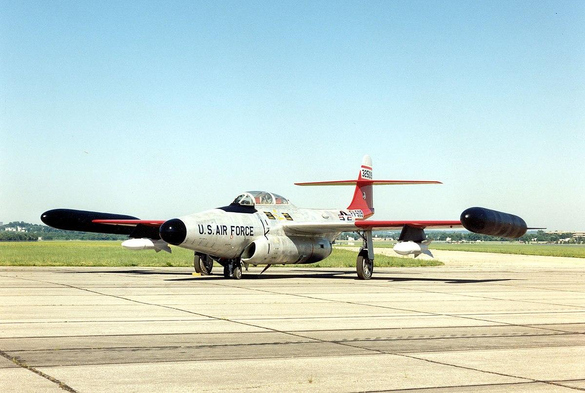 https://upload.wikimedia.org/wikipedia/commons/thumb/8/83/Northrop_F-89J_Scorpion_USAF.jpg/1200px-Northrop_F-89J_Scorpion_USAF.jpg