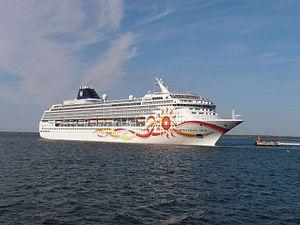 Norwegian Sun departing Port of Tallinn 25 May 2012.JPG