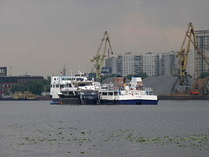 Novaya Zvezda on Khimki Reservoir 8-jun-2012 05.JPG