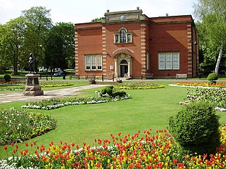 Nuneaton - Nuneaton Museum and Art Gallery, Riversley Park, home of collection on writer George Eliot