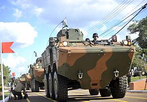 O blindado Guarani foi desenvolvido para substituir os antigos Cascavel e Urutu (14464906144)