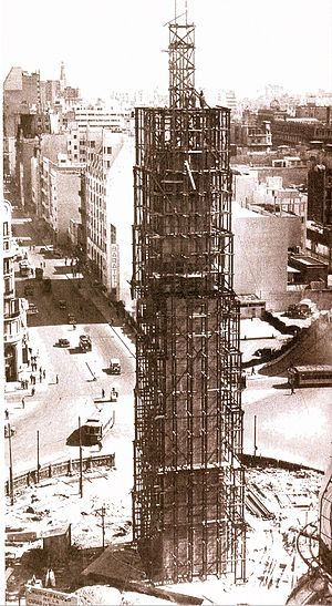 Obelisco de Buenos Aires - Under construction