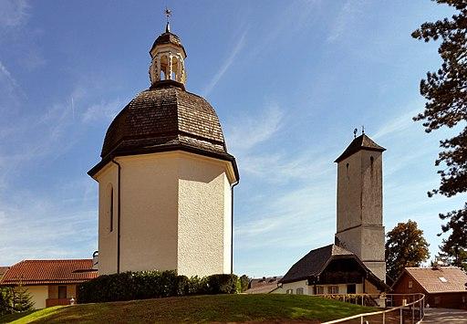 Oberndorf, Stille-Nacht-Kapelle mit Wasserturm