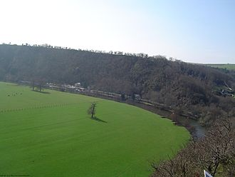 Thury-Harcourt - The Orne valley takes an oxbow curve near Thury-Harcourt