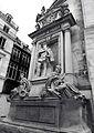 P1260844 Paris Ier statue Coligny bw rwk.jpg