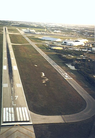 St. Pete–Clearwater International Airport - Image: PIE Rwy 17L 35R