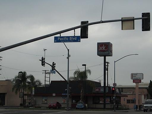 Pacific Boulevard, Huntington Park, California (14516669142)