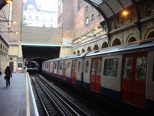 Paddington tube station 058