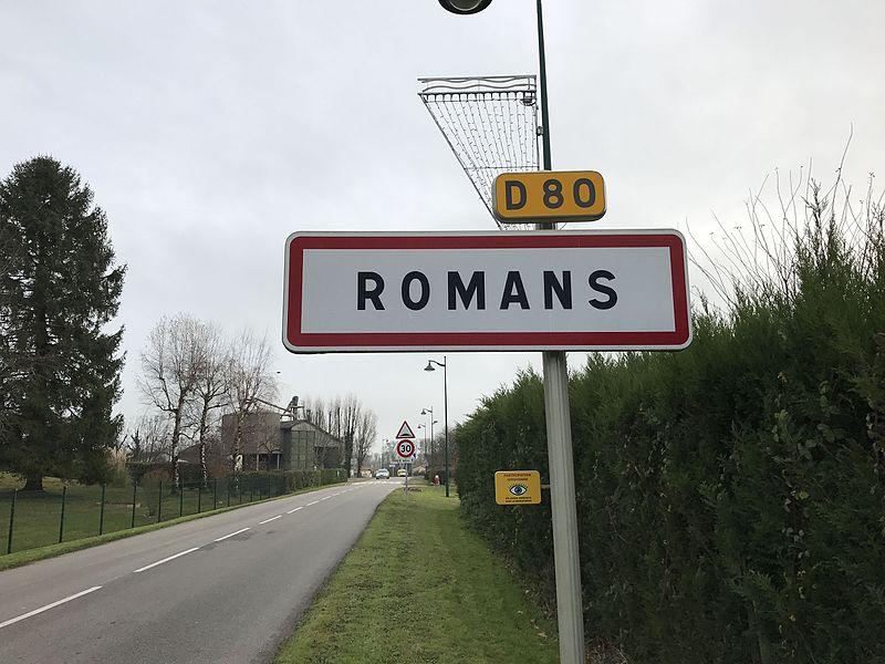 Panneau d'entrée dans Romans dans l'Ain.