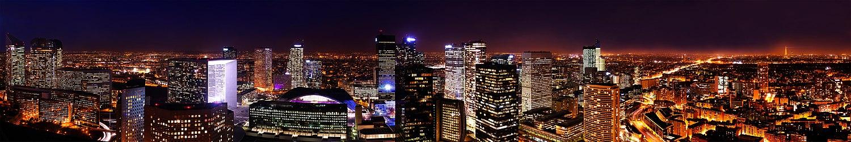 La Défense, em Paris, o maior centro financeiro da Europa.[83]
