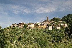 Panorama di Uzzano Castello.jpg