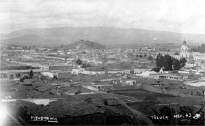 Toluca Valley - View over the city of Toluca in 1943