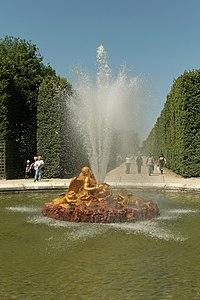 Parc de Versailles, Bassin de Saturne, François Girardon, (1672–77) 01.jpg