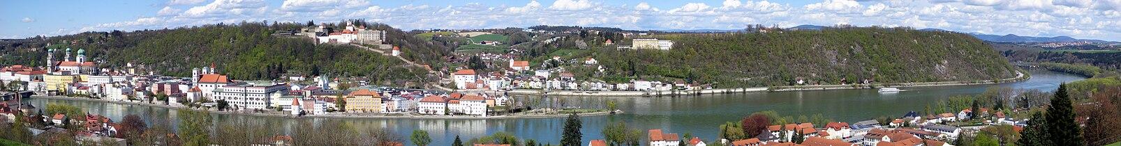 Passau Panorama 080420 1.jpg