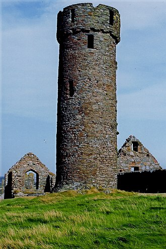 Roolwer - Image: Peel Castle interior Round tower and stone buildings (geograph 1699338)