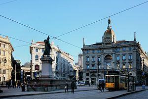 Piazza Cordusio a Milano, veduta generale