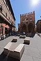 Piazza e palazzo della Mercanzia.jpg