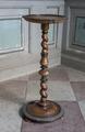 Piedestal av svarvad valnöt, 1600-1676 - Skoklosters slott - 103740.tif