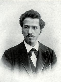 image of Piet Mondrian from wikipedia