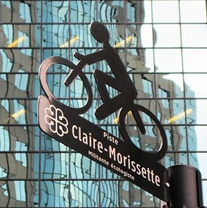 De Maisonneuve Boulevard - The signage of the Claire-Morissette bike path.