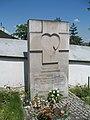 Pomnik dzieci nienarodzonych w Miechowie.jpg