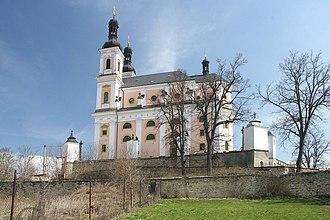 Luže (Chrudim District) - Image: Poutní kostel Panny Marie v Luži