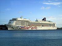 Pride of America in Honolulu.jpg