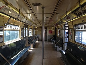 R38 (New York City Subway car) - Image: R38 4028 interior