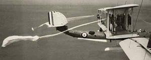 Seaplane Squadron RAAF - Image: RAAF Southampton pull off parachute technique