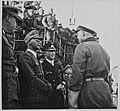 RK und Admiral Schmundt im Gespräch mit einem U-Bootkommandanten, links- RKS und Otte (7129737979).jpg