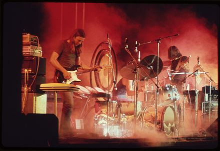 Pink Floyd performing on their early 1973 US tour, shortly before the release of The Dark Side of the Moon ROCK CONCERT. (FROM THE SITES EXHIBITION. FOR OTHER IMAGES IN THIS ASSIGNMENT, SEE FICHE NUMBERS 42, 97.) - NARA - 553890.jpg