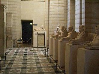 Serapeum of Saqqara - Image: Rank of sphinges in Louvre museum 0