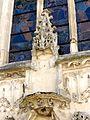 Raray (60), église Saint-Nicolas, portail occidental, niche au-dessus de l'archivolte.JPG