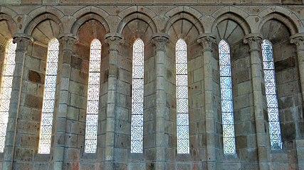 Le Mont Saint Michel >> Abbaye du Mont-Saint-Michel — Wikipédia