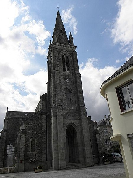 Église Saint-André à Renac (Ille-et-Vilaine, Bretagne, France).