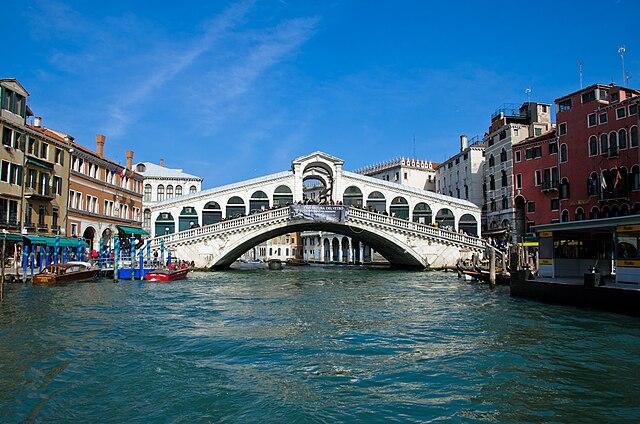 Jembatan Rialto, Venice, Italia