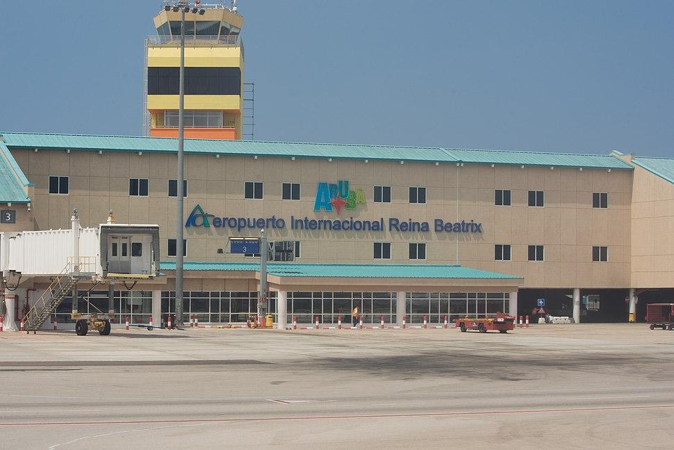 Roman Tokman Aruba Airport