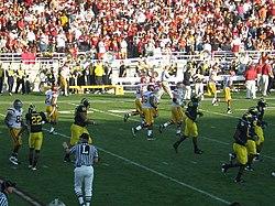 Rose Bowl game 2007 from Flickr 343270762.jpg
