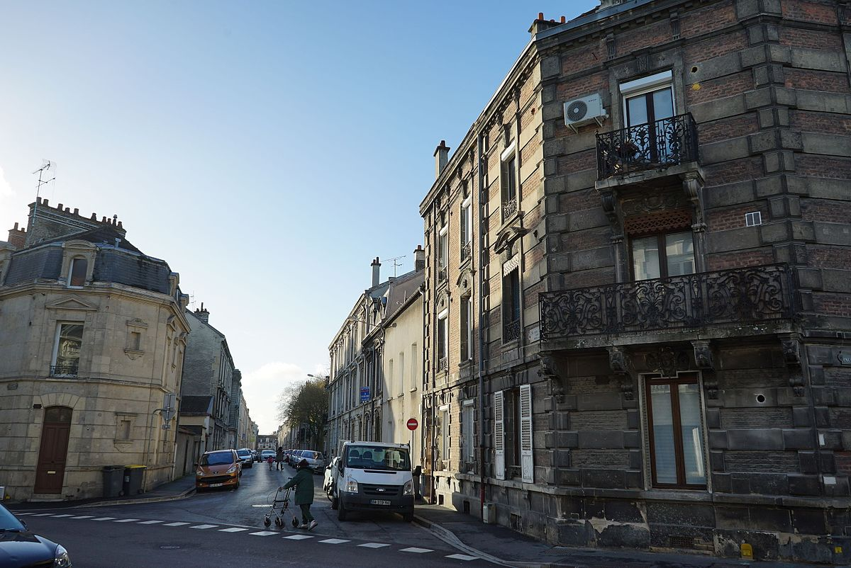 Rue Du Docteur Dumur  Ef Bf Bdvian Les Bains Villa Hante